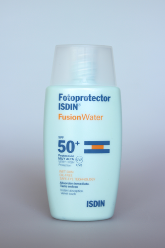 fusionwater_spf50_isdin_1.PNG