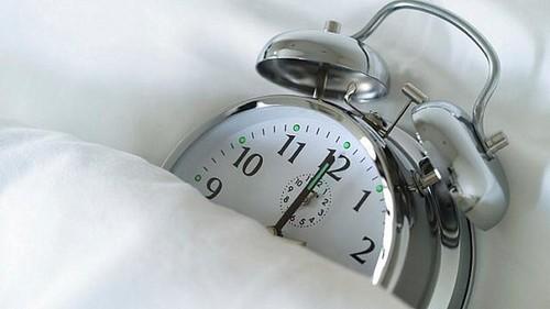 relogio-despertador-meianoite-20111014-size-598.jp