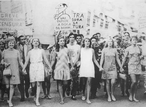 passeata-repressao-anos-70.jpg