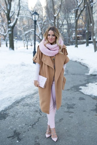 chic-ways-to-rock-rose-quartz-in-your-outfits-15.j