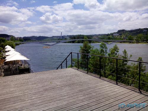 Docas de Coimbra - Bares junto ao Rio Mondego [en] Bars along the river Mondego in Coimbra Portugal