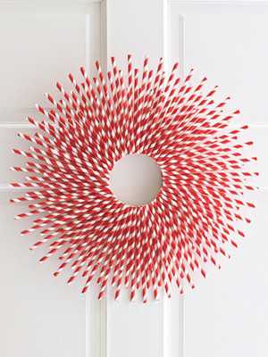 02-paper-straw-wreath-mdn.jpg
