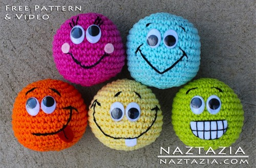 amigurumi-smiley-face-crochet-toys.jpg