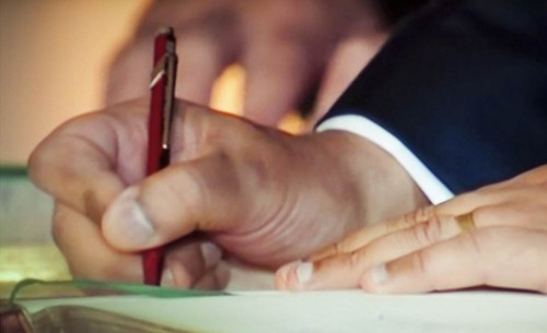 caneta vermelha.jpg