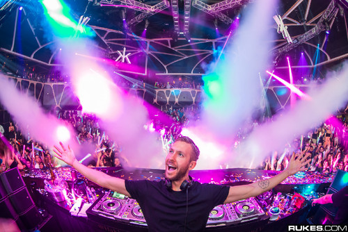 Calvin-Harris-@-Hakkasan-Photo-by-Rukes.jpg