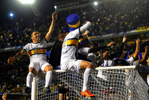 jugadores-Boca-partido-Foto-Telam_CLAIMA20151101_0