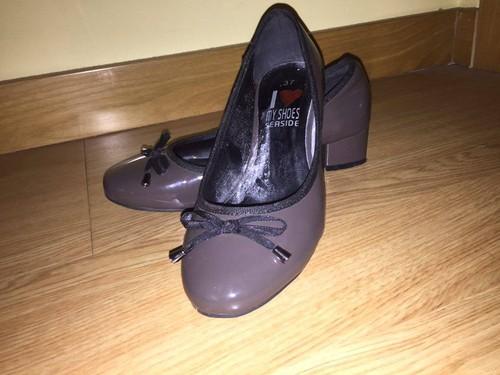 Sapatos de Salto Baixo Castanho 1.jpg