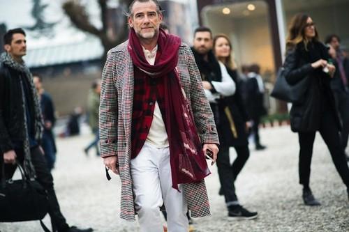 pitti+uomo-2014-street-red-scarf.jpg