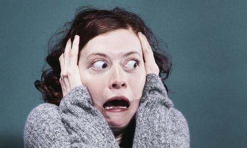 Scared-woman-014.jpg