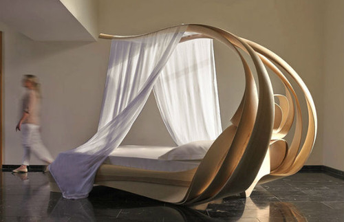 2_canopy-bed1.jpg