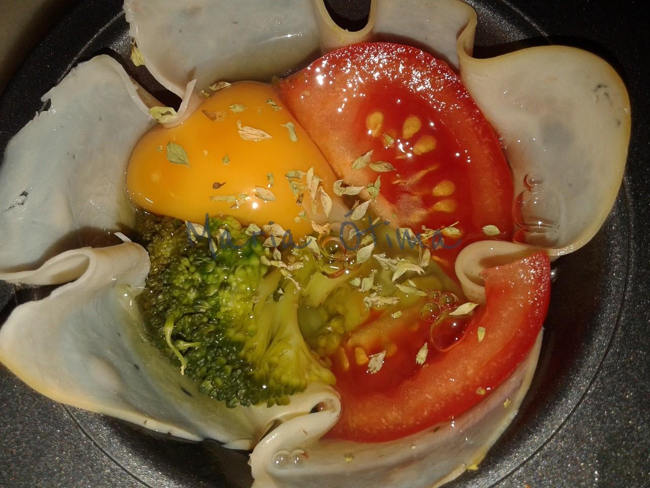Ovos estrelados com legumes.jpg