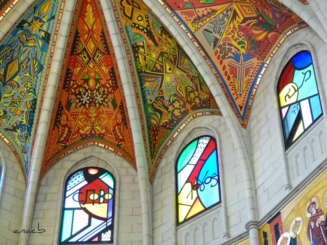 ao acaso #8 Catedral de La Almudena, em Macrid.jpg