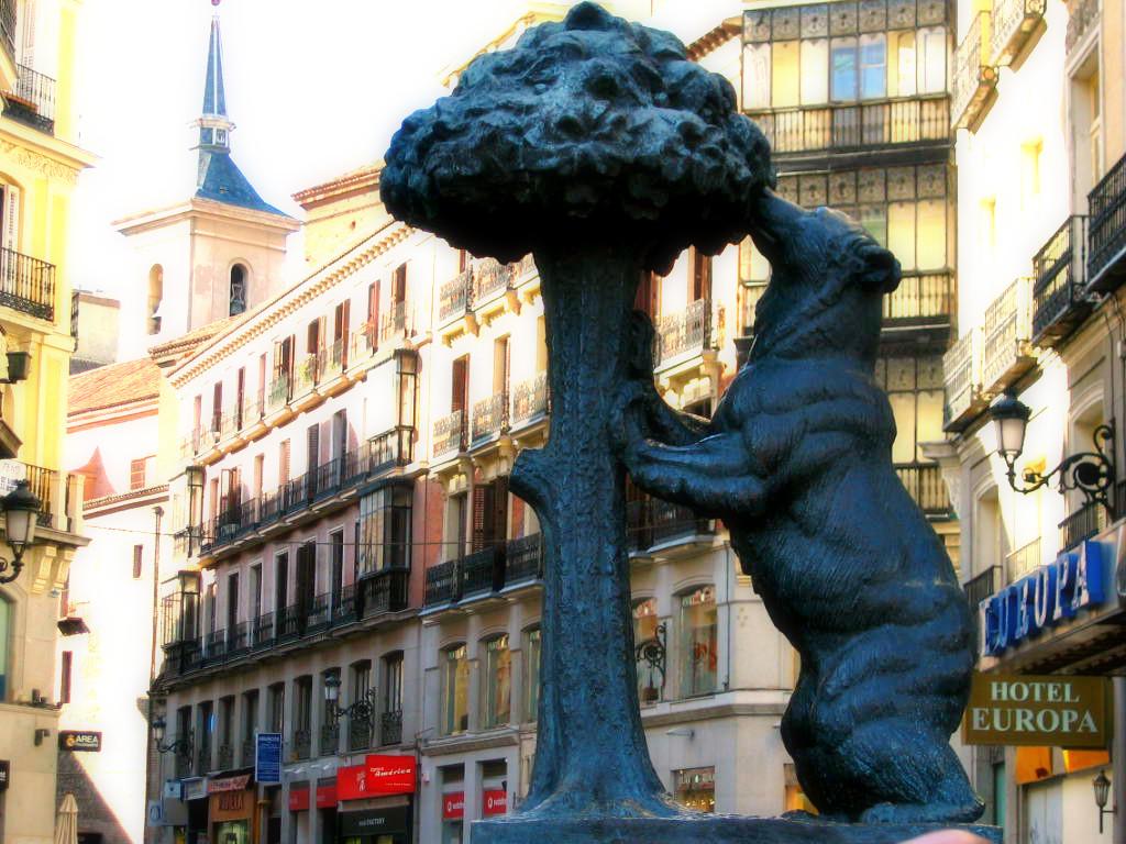 Romântica Madrid-Puerta del Sol-O urso e o medron