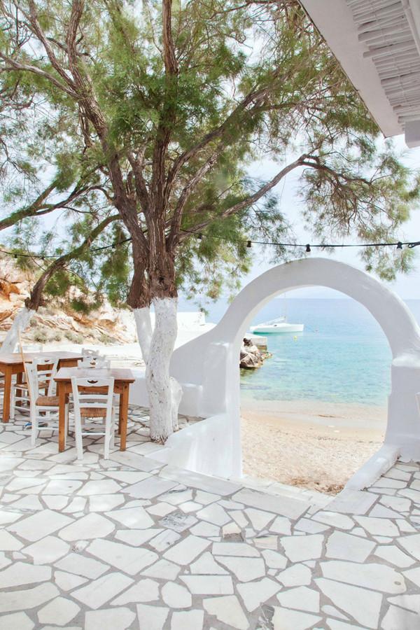 beachhouseantiparos1.jpg