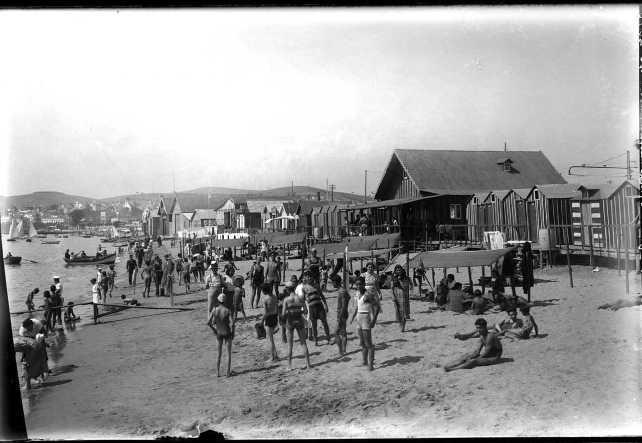 Praia de Pedrouços, 1937, foto de Eduardo Portuga