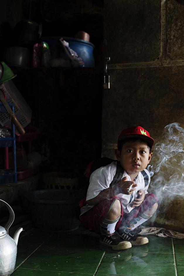 criancas-fumantes.jpg