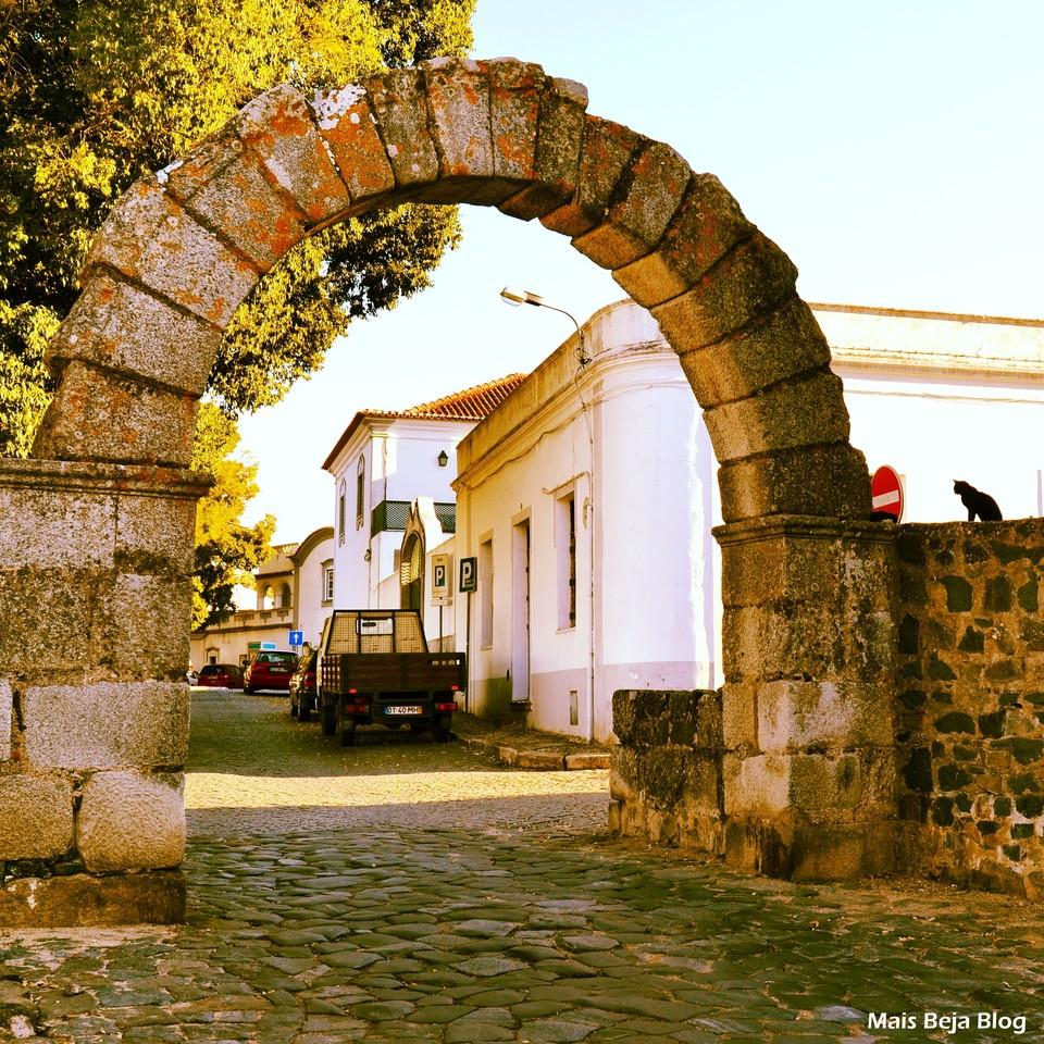 Portas de Avis Beja Alentejo.jpg