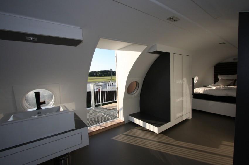 Airplane-Suite-06-850x566.jpg