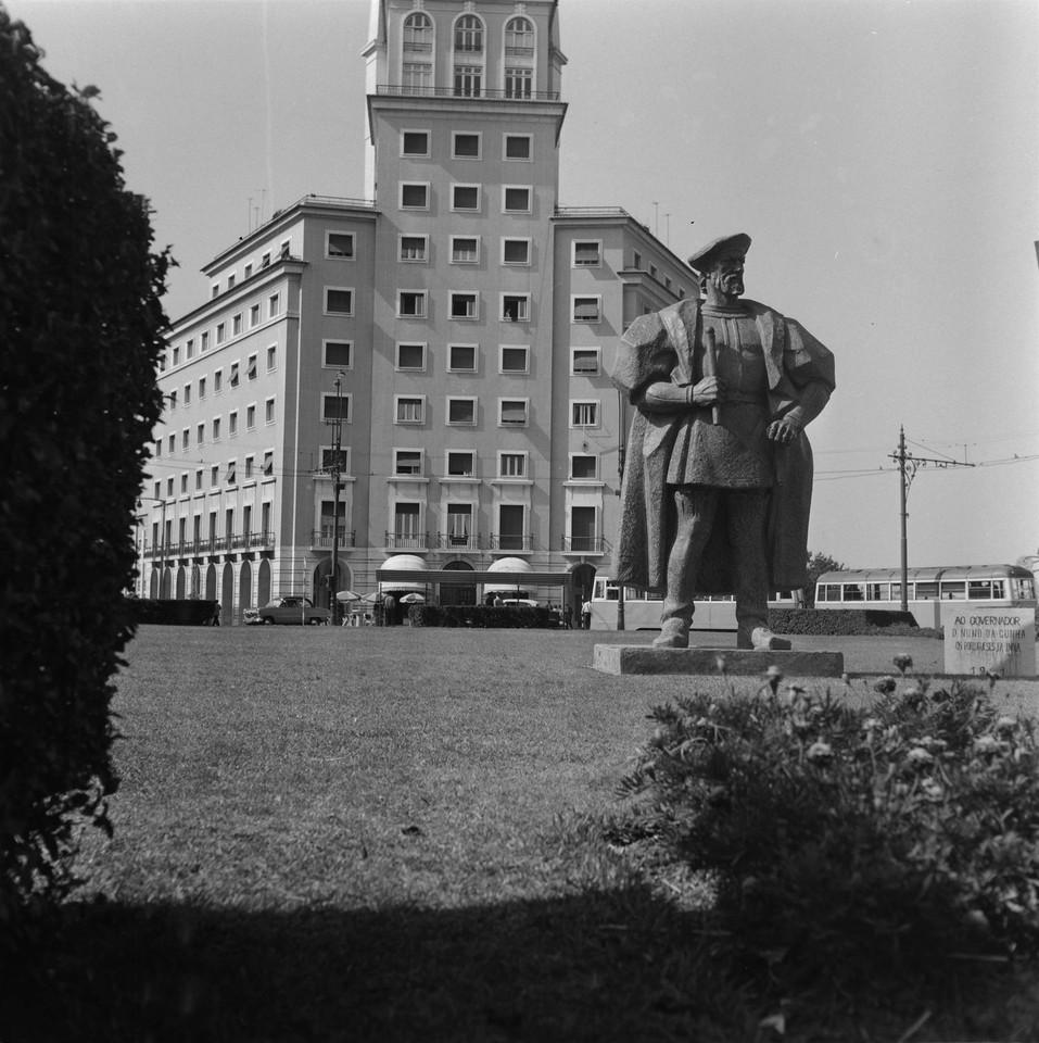 Estátua de Nuno da Cunha da autoria do escultor S