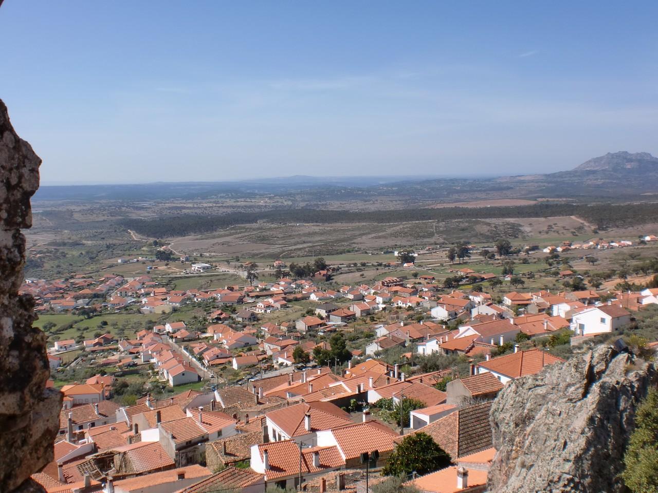 Castelo_de_Penha_Garcia_(vista).jpg