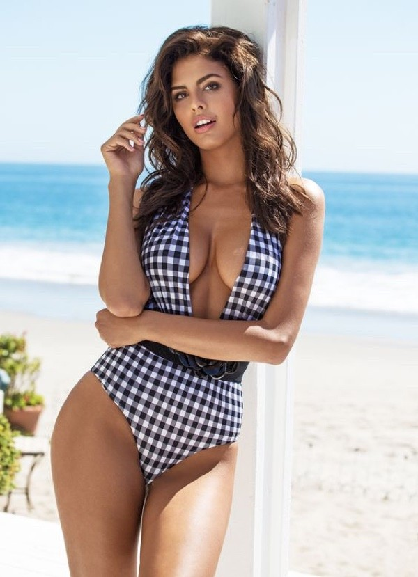 Guess-Swimsuit-2016-Campaign-Photos07.jpg