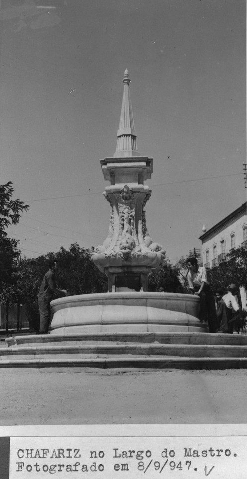 Chafariz do Largo do Mastr.jpg