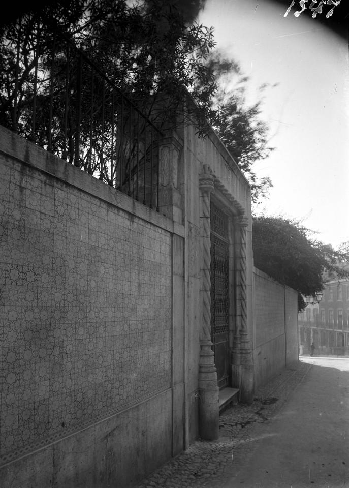 Palácio dos Marqueses de Vagos, portal manuelino.