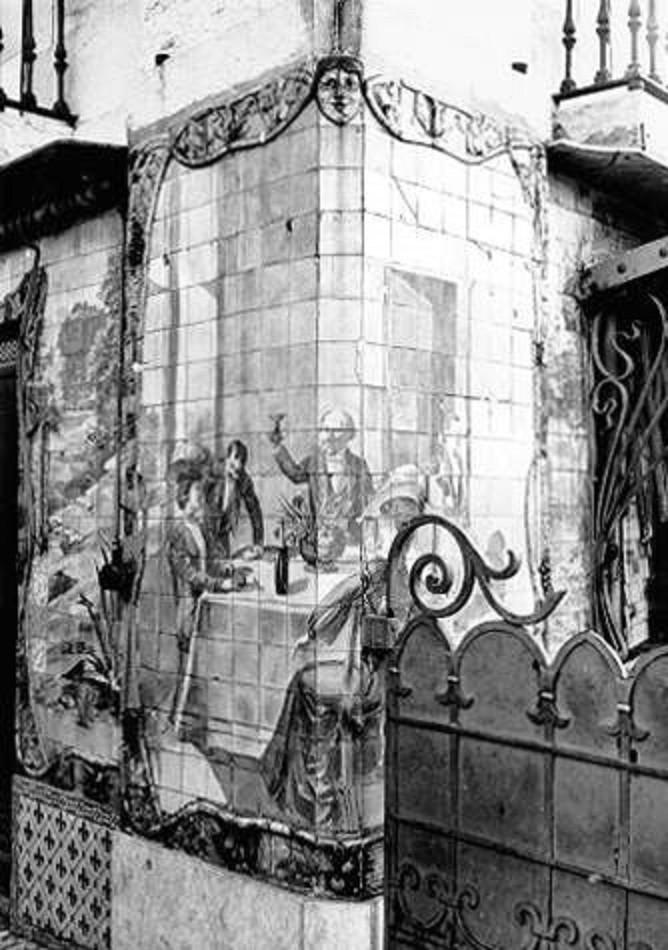 Café Royal, na Praça Duque da Terceira. Painel d