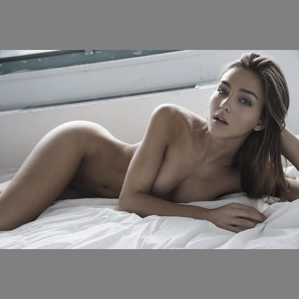 Rachael Leigh Cook desnuda - Fotos y Vídeos -