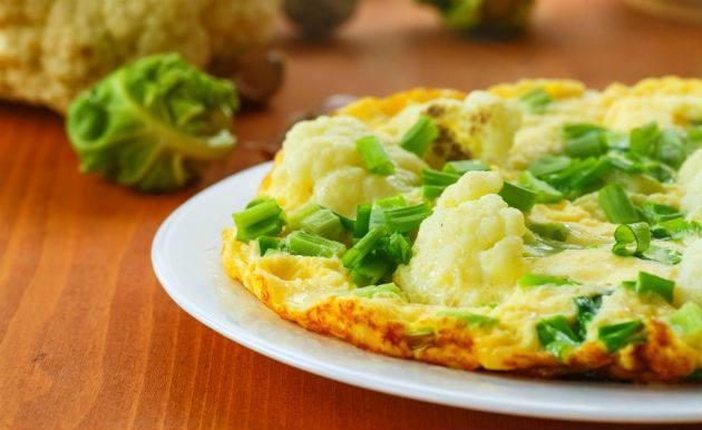 Receita light e rápida... Omelete de espinafres.j