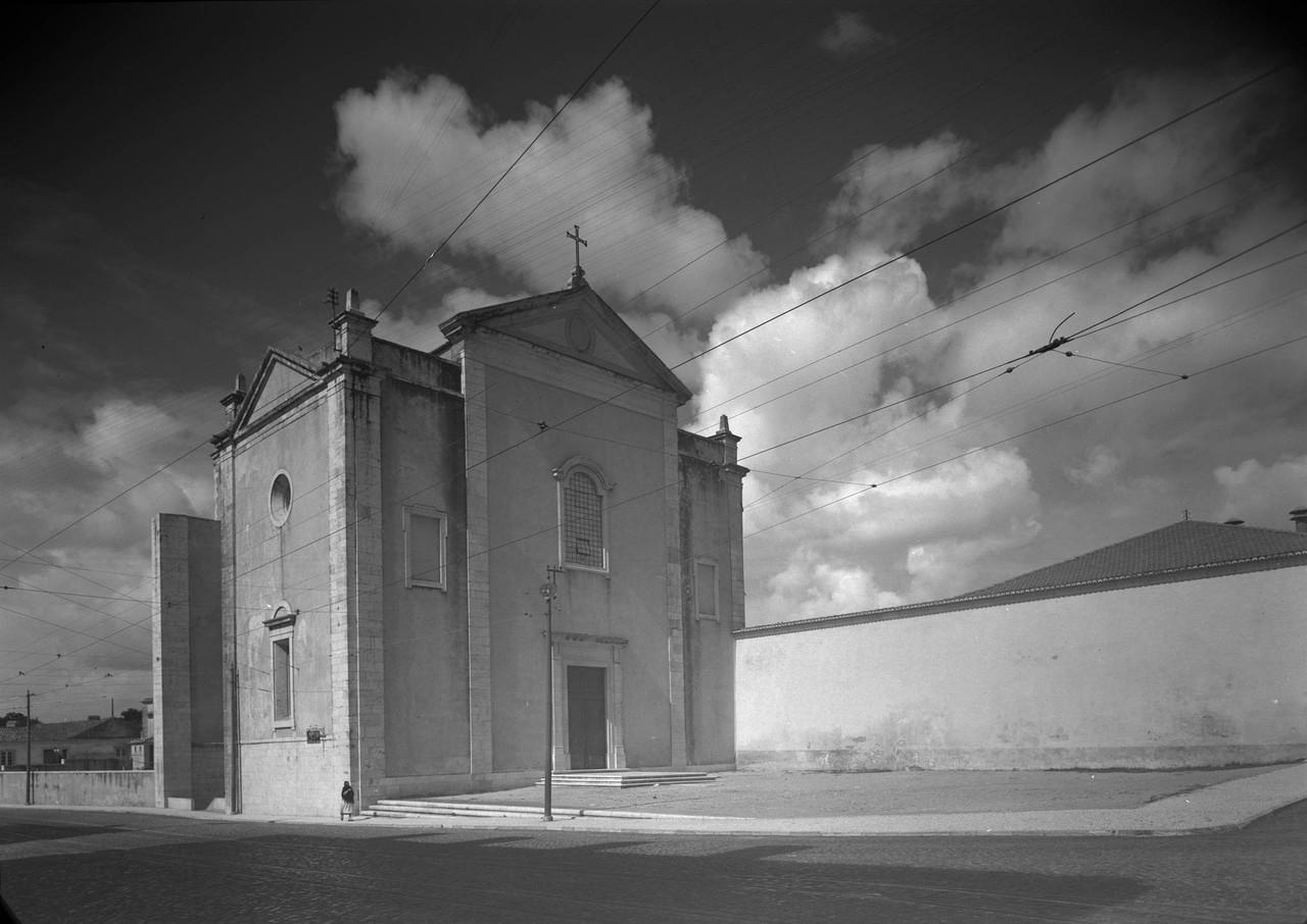 Igreja de Nossa Senhora da Luz, fachada principal,