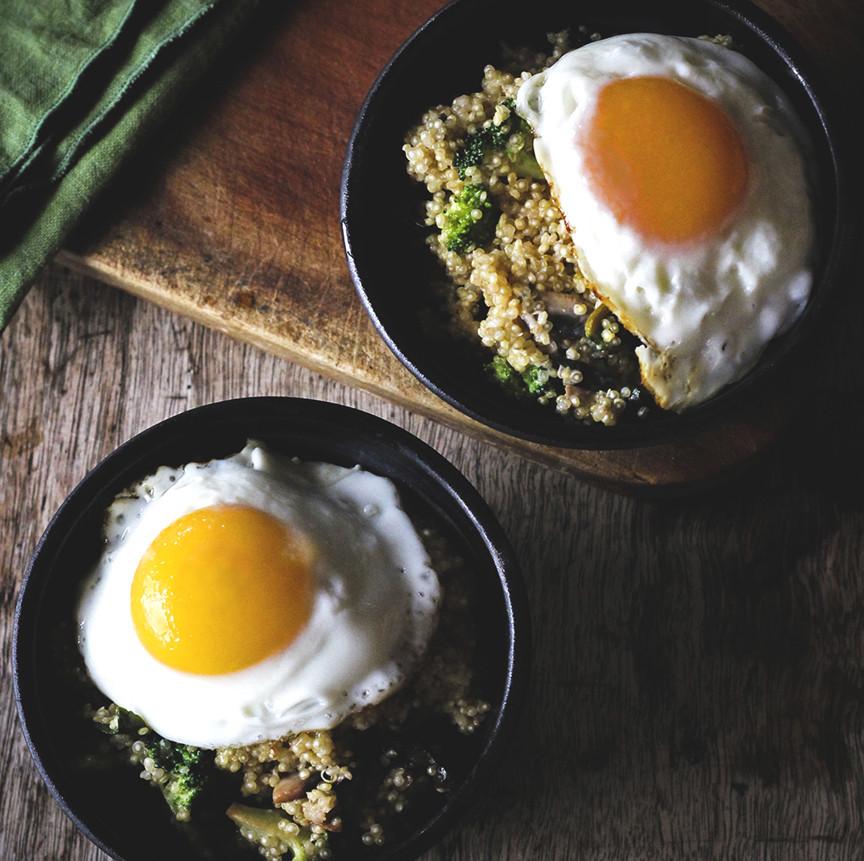 Veggie-Quinoa-Breakfast-Bowl.jpg