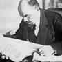 Lenin_leser_Pravda.jpg