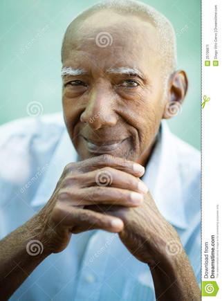 closeup-happy-old-black-man-smiling-camera-2570687