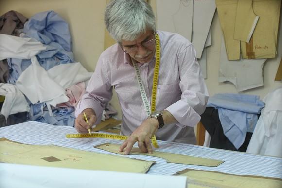 Alcindo Machado faz de cada camisa uma peça únic