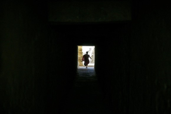 Menino tibetano Mosteiro de Thiksey Índia