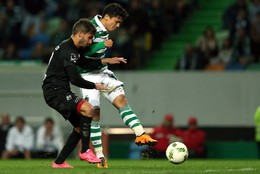 Montero remate sob pressão de Hugo Seco