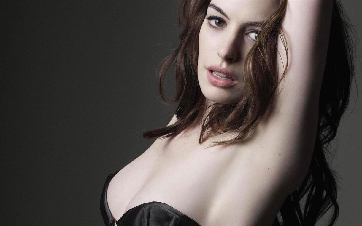 Anne-Hathaway-87.jpg